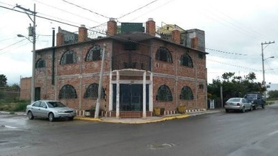 Se Vende Local De 3 Niveles Para Restaurant, Tienda O Casa