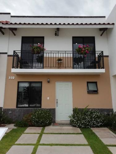Casa En Venta, Residencial Capittala, Modelo Aqua, Aguascalientes, Rcv 400861.