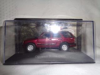 Miniatura Chevrolet Blazer 2002 - Escala 1/43 Inesquecíveis