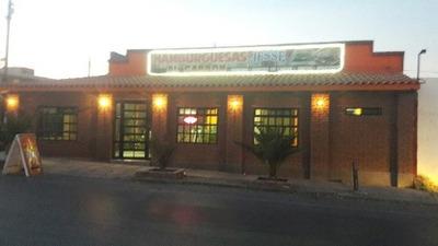 Se Vende Casa Con Restaurant Acreditado Al Frente Y Esquina, Col. La Junta