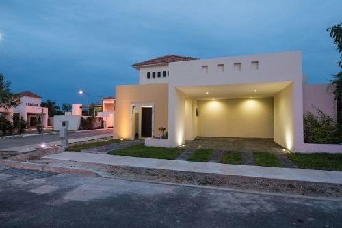 Casa En Venta En Desarrollo Santa Cruz Folio Cecv-2042