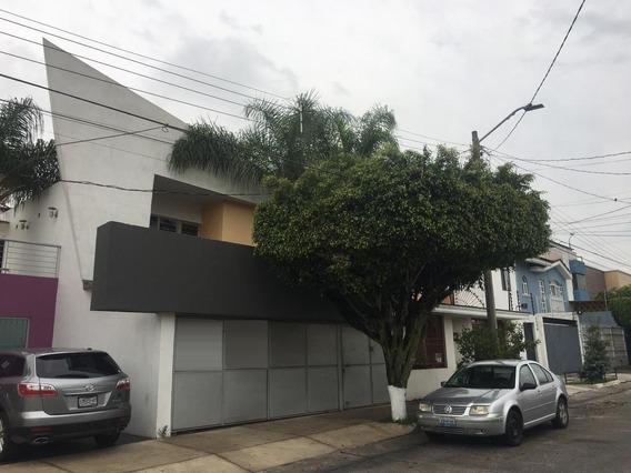 Renta De Excelente Casa Para Oficina En Tabachines Zapopan