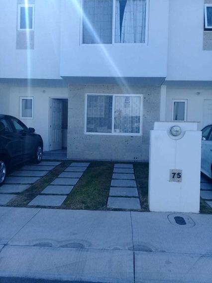 Casa De 3 Recamaras Con Closets, 2 1/2 Baño