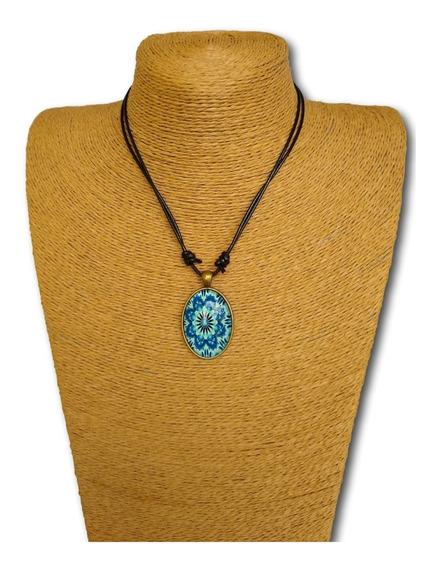 Colar Mandala Fluorescente Brilha No Escuro Ref: 8098