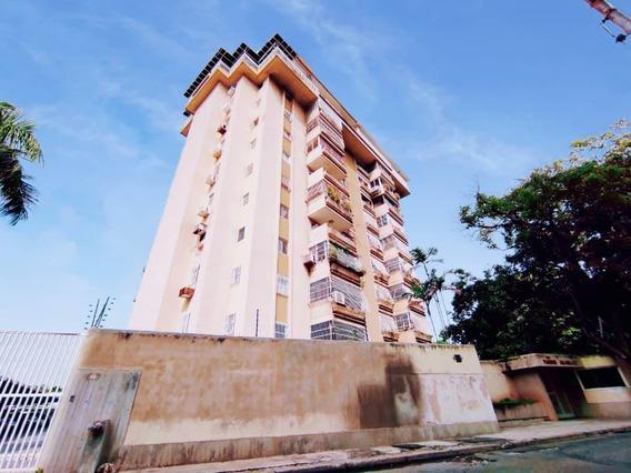 Apartamento En Venta En Barrio Sucre Maracay Dvm 20-2689