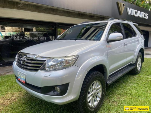 Toyota  Fortuner Sr-automática