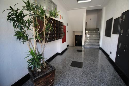 Sala Comercial À Venda Com 31.12m² Por R$ 149.000,00 No Bairro Champagnat - Curitiba / Pr - Sv0006