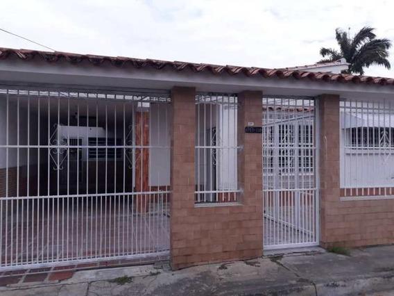 Casa Con Anexo 364m2 Para Remodelar En Naguanagua Av Univ