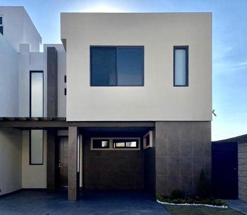 Casa En Renta En San Andrés Cholula, Puebla, En El Fraccionamiento Lomas De Angelópolis