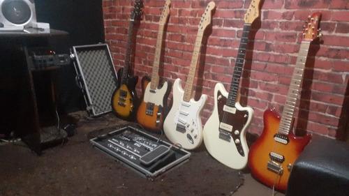 Imagem 1 de 2 de Aulas De Guitarra E Violão