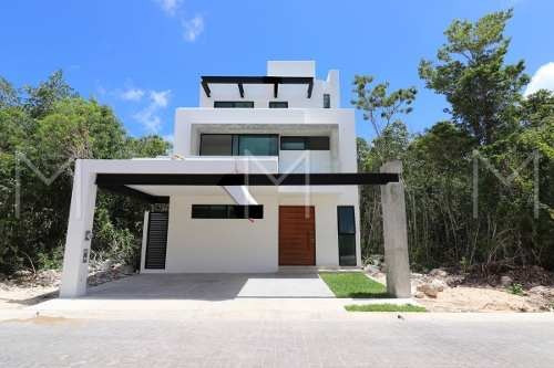 Casa En Venta En Cancun. Residencial Aqua