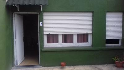 Casa 2 Dorm, Con Garage.