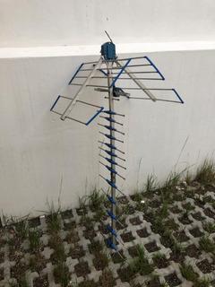 Antena Satelital De Aluminio Capta Tda Hd Exc Estado