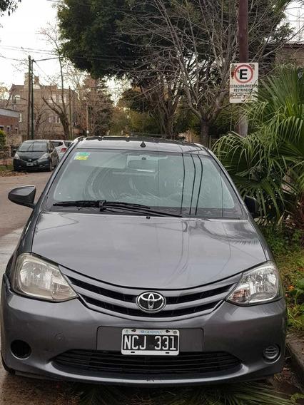 Toyota Etios 1.5 X 2013