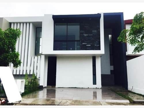 Casa Sola En Venta Zona Norte Colima Residencial
