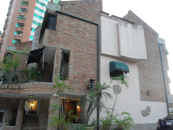 Town House En Venta La Chimenea Codigo 20-4462jv