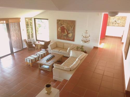 Casa De Estilo En El Lomo De La Ballena En Portezuelo- Ref: 1038
