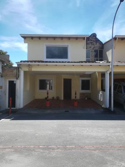 Urb. Ibiza Av. Principal Pueblo Nuevo