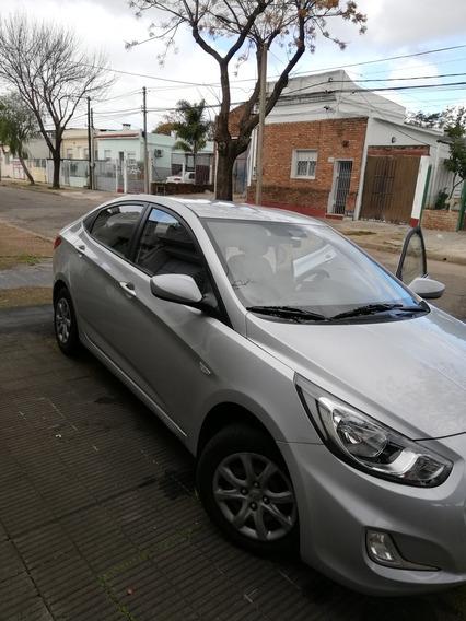 Hyundai Accent 1.5 Gls At 2012 Manual
