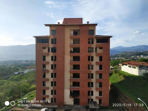 Urb. Gabriela Country, Apartamento Amoblado La Castellana