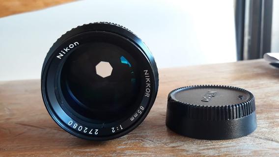Lente Nikon Nikkor 85mm F/2 Mecânica
