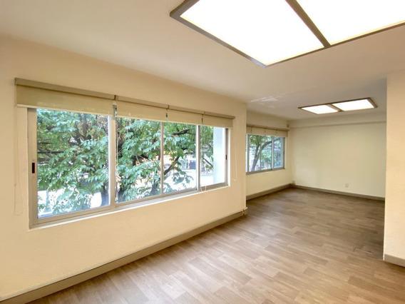 Oficina En Renta. Casa De 3 Niveles. 265 M2. 5 Habitaciones. Col. Condesa