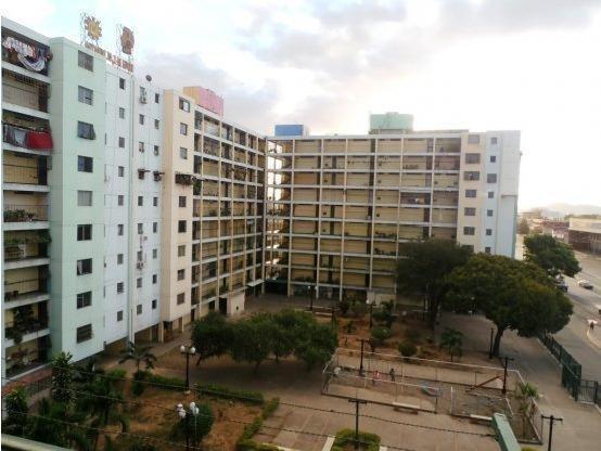 Apartamentos En Venta Centro Barquisimeto 20-2545 Rg