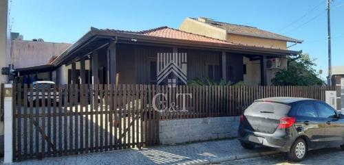 Casa 3 Dormitórios + 2 Vagas Em Camboriú - 1843