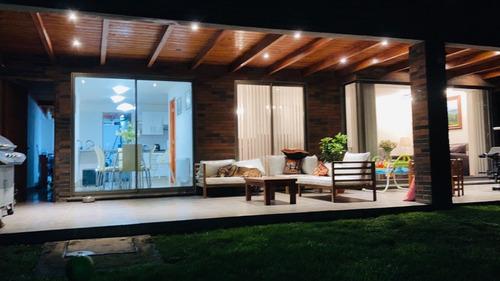 Imagen 1 de 20 de Excelente Casa En Condominio,peñalolen.