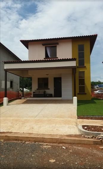 Alquilo Casa De 2 Niveles Nueva, 3 Recamaras, 3 Baños