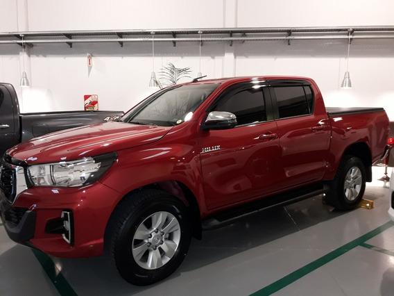 Toyota Hilux 4x2 D/c Srv 2.8 Tdi 6 M/ T (2020)