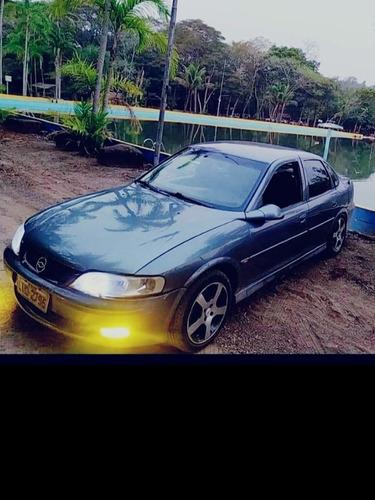 Chevrolet Vectra 2001 2.2 Milenium 4p