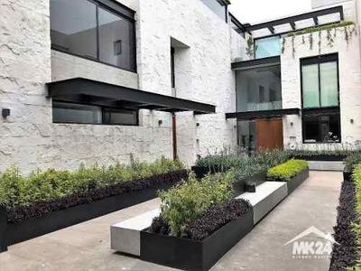 Hermosa Residencia Con Jardin Privado A Una Cuadra De Periferico