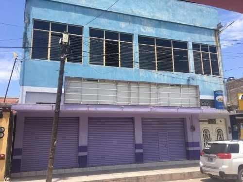 Local Comercial En Renta Av. Central Poniente