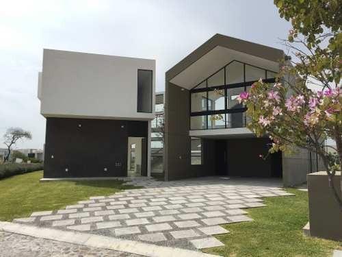 Espectacular Casa En Renta Con Diseño Vanguardista En Uno De Los Mejores Fraccionamientos De Querét