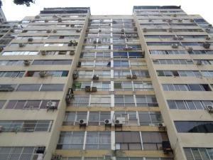 Oficina En Plaza Venezuela Mls #20-7483