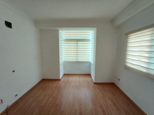 Apartamento De 3 Habitaciones 2 Parqueos En Evaristo Morales