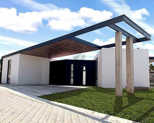 Casa En Venta En Fracc. Cumbre Chapala, Con Excelente Vista