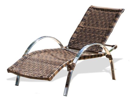 Espreguiçadeira Sem Mesa Confortável Para Piscina