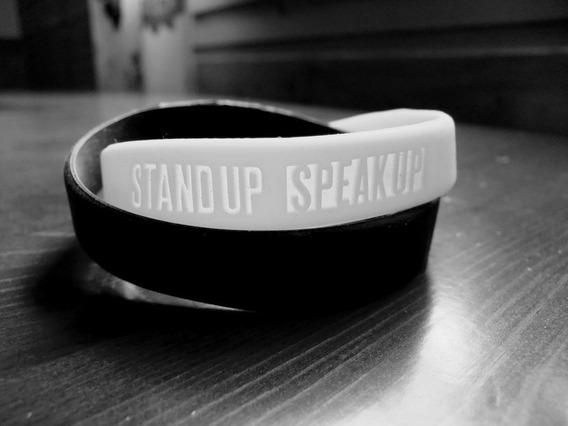 05 Pulseiras Nike Antiracismo Stand Up Speak Up