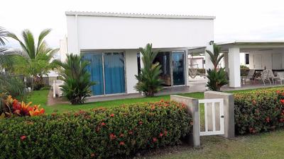 Fabulosa Casa Con 4 Recamaras Y Acceso Al Club De Playa