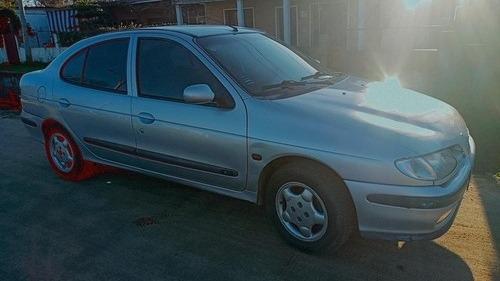 Renault Megane 1997 2.0 Rxe