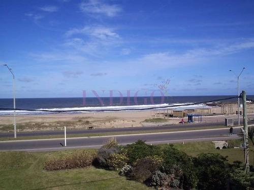 Casa En Alquiler Frente Al Agua En  Montoya, 4 Dormitorios .- Ref: 146