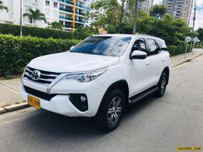 Toyota Fortuner .