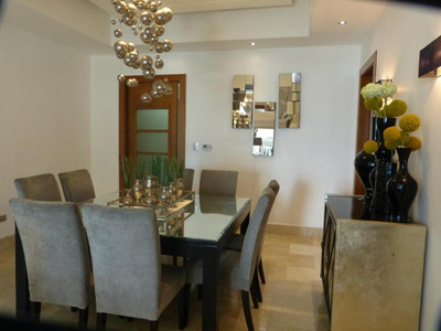 Hermoso Apartamento En Torre Moderna, 3hab, 235m2