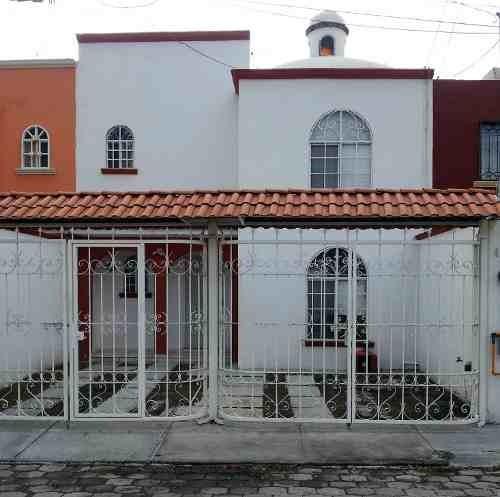 Hermosa Casa En Venta En Fracc La Joya En Qro. Mex.