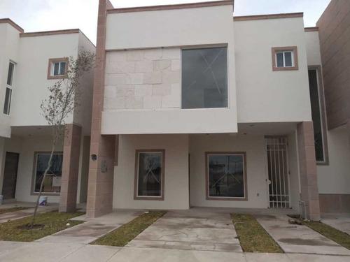 Imagen 1 de 15 de Casa En Venta Fracc. Las Lomas