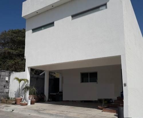 Casa En Venta, Residencial Los Manantiales, Alvarado, Ver.