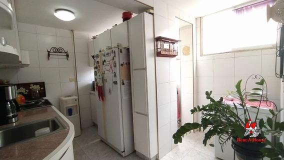 Apartamento En Urb Los Caobos Maracay 20-18388 Sh