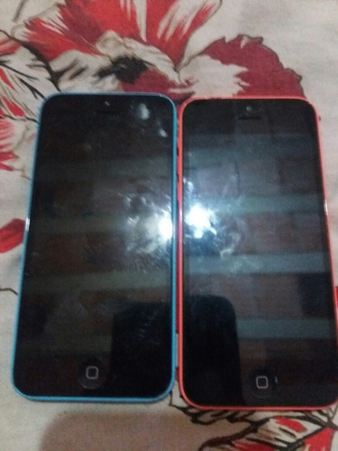 2 iPhone 5c 8 Gb